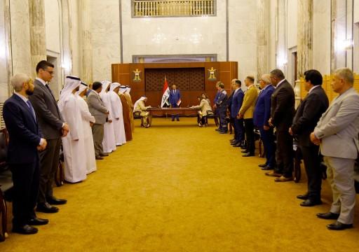 الإمارات توقع مع العراق عقدا لبناء 5 محطات للطاقة الشمسية