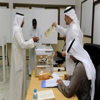الكويتيون يختارون 10 مرشحين لانتخابات المجلس البلدي السبت