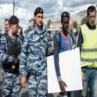 روسيا.. الشرطة تلقي القبض على مشجعين حاولوا التسلل إلى أوروبا لطلب اللجوء