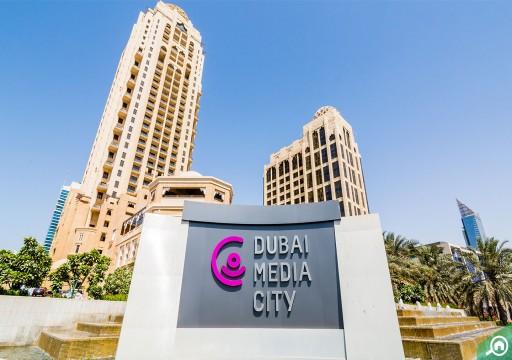 إعلام دبي الرسمي يتبرأ من كاتبة سعودية اتهمت قطر بتركيب كورونا
