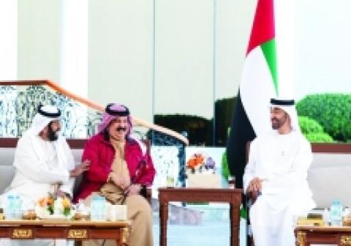 محمد بن زايد يبحث مع ملك البحرين العلاقات الثنائية