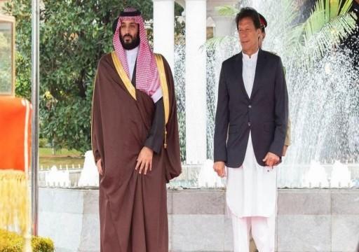 بعد اتصاله بأمير قطر ومحمد بن زايد.. رئيس وزراء باكستان ومحمد بن سلمان يبحثان تطورات أفغانستان