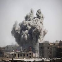 عشرات الضحايا في قصف وحشي بـالنابالم الحارق على الغوطة