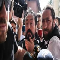 تركيا.. القبض على عدنان أوكتار ضمن حملة أمنية لتوقيف 234 من أتباعه