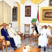الرئيس السوداني يلتقي وفد الإمارات برئاسة سهيل المزروعي