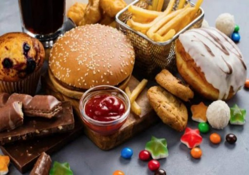 تقليل السكريات أم الدهون.. ما هي الحمية الأفضل؟