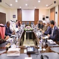 أمين التعاون الإسلامي وبن دغر يبحثان استئناف المفاوضات اليمنية