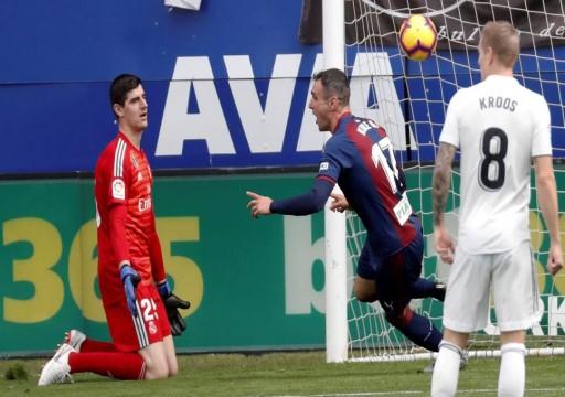 ريال مدريد يتعرض لخسارة قاسية أمام إيبار في الدوري الإسباني