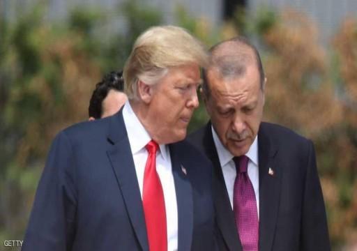 ترامب يعرب عن أمله في الوساطة بين تركيا والأكراد