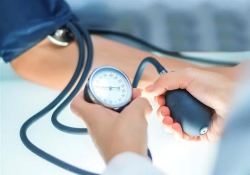 """أربع علامات """"نادرة"""" لارتفاع ضغط الدم شديد الخطورة.. تعرف عليها"""