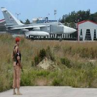 الدفاع الروسية: تدمير طائرة مسيرة اقتربت من قاعدة حميميم في سوريا