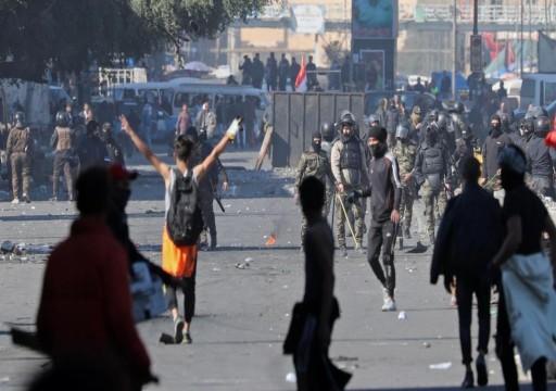 بغداد.. مقتل متظاهريْن برصاص الأمن وصواريخ تسقط داخل السفارة الأميركية
