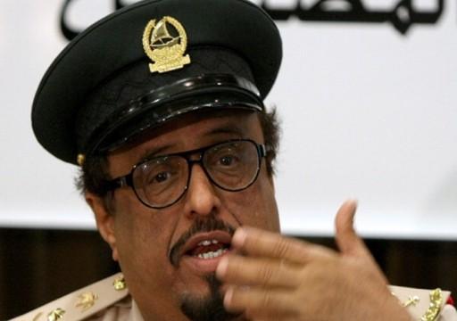 اعتبر تدخلا في الشأن الداخلي.. خلفان يلمح لإزاحة الرئيس اليمني من السلطة