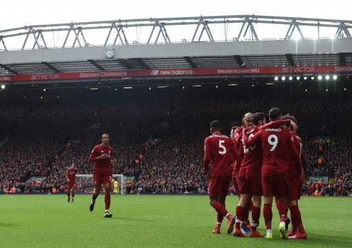 ليفربول يطارد متصدر الدوري الإنجليزي مانشستر سيتي
