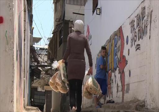 لبنانيون في الإمارات يتحركون لمساعدة عائلاتهم في البلد المنهار اقتصاديا