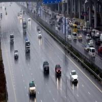 أمطار الخير تهطل على مناطق واسعة من الدولة