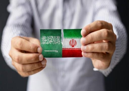 وكالة أمريكية: إيران طلبت من السعودية إعادة العلاقات الدبلوماسية