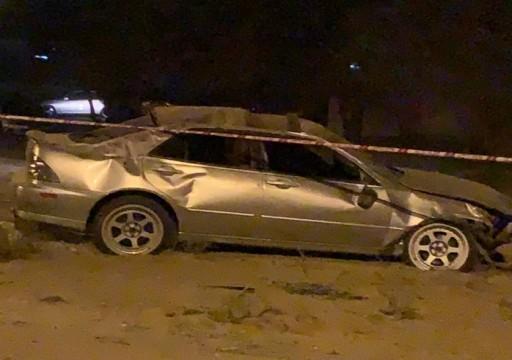 بسبب السباق.. وفاة 4 أشخاص بتصادم مركبتين في العين