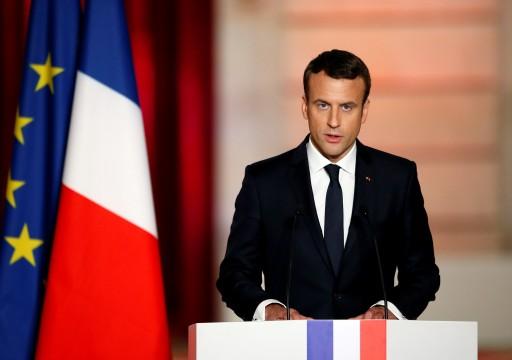 ماكرون يقول إن الإسلام السياسي يهدد فرنسا