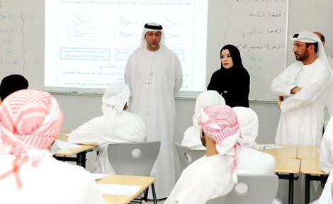 قبضة الأجهزة الأمنية في الدولة تجبر معلمي المدارس تجنب ذكر أسمائهم