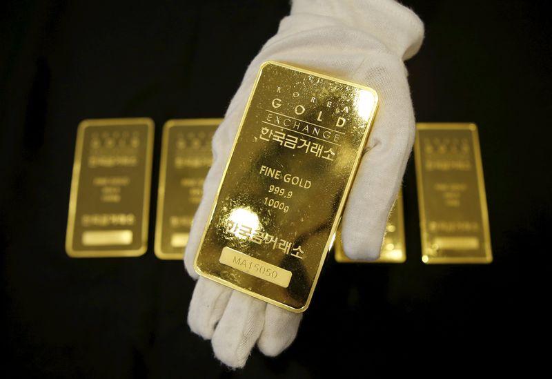 الذهب يقفز لأعلى مستوى في 5 أسابيع مع تضاؤل زيادة الفائدة الأمريكية