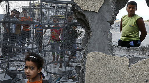 يوم دام في غزة يخلف أكثر من 60 شهيداً والعدوان يتواصل