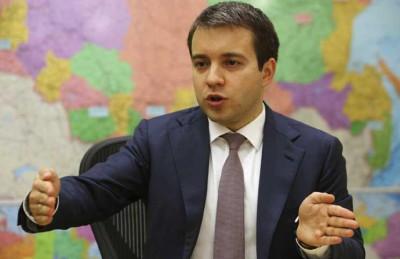 اختراق حساب وزير روسي على انستجرام ونشر صور لطائرة وأعلام تركيا