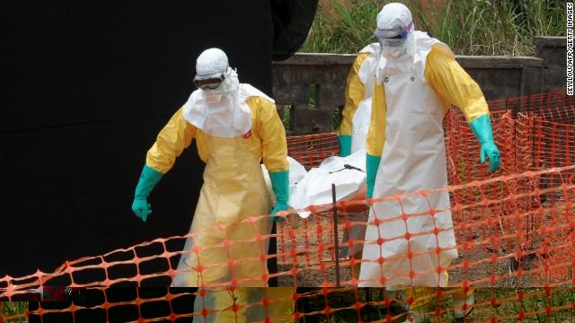 إيبولا يقتل 2400 إنسان ويفوق القدرة على احتوائه