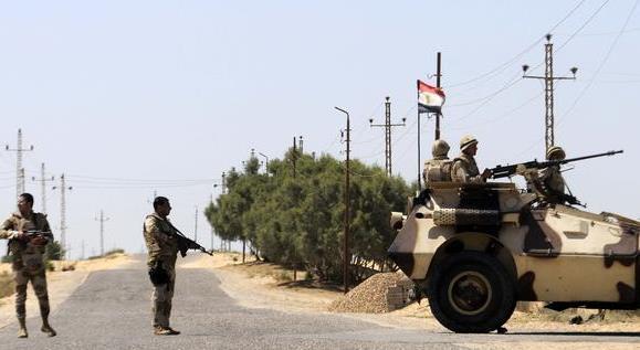 مصرع جندين مصريين في تفجير استهدف آلية عسكرية بسيناء