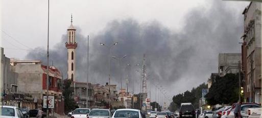 اشتباكات عنيفة بين قوات خفتر وكتائب الثوار في بنغازي
