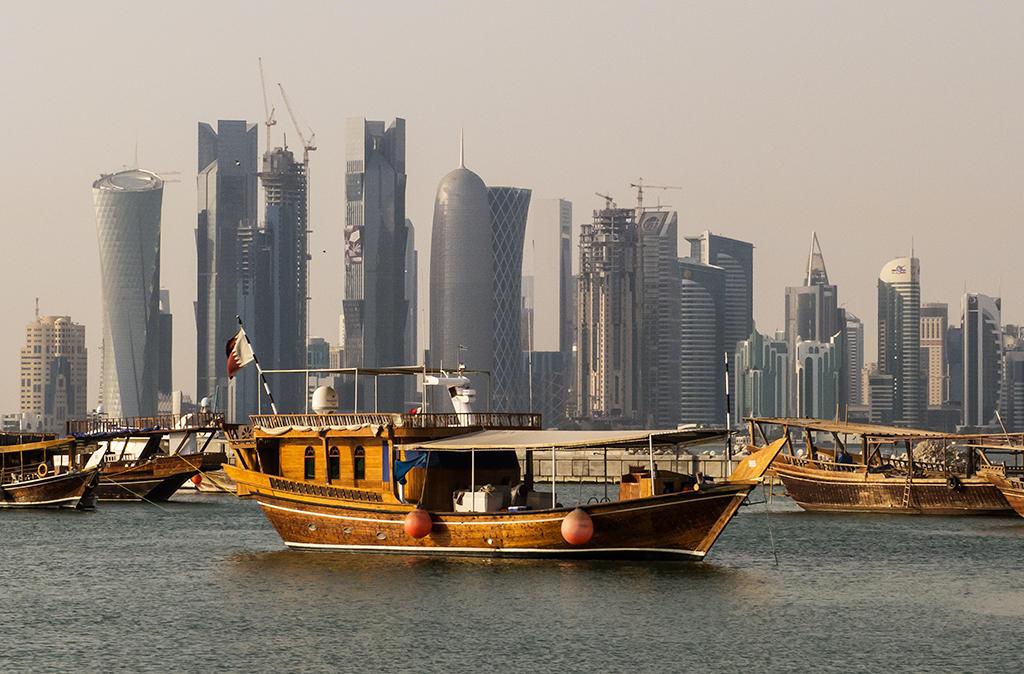 قطر توقع صفقة لشراء 7 وحدات عسكرية بحرية من إيطاليا