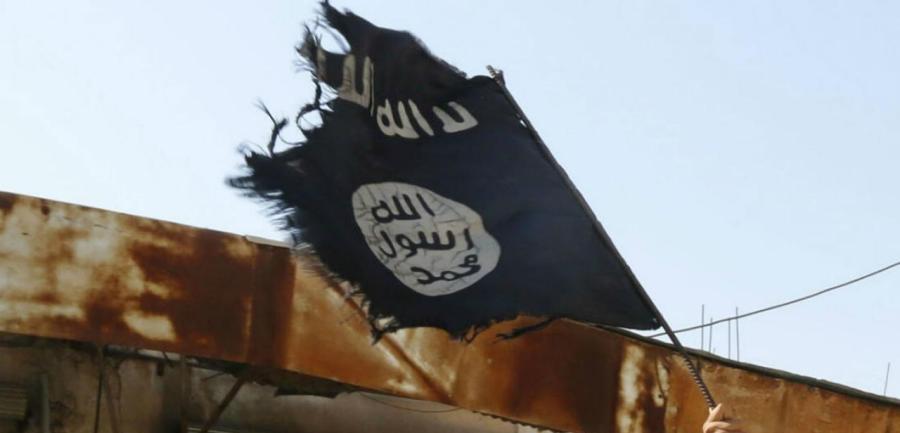 أفول داعش.. التنظيم ينهار في سوريا ويخسر دير الزور والرقة معا
