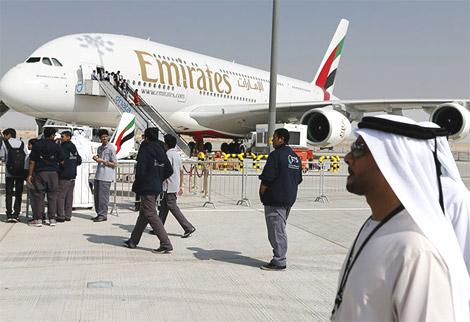الإماراتية تسيّر طائرتها العملاقة إلى طهران احتفالا بالرحلة الرابعة
