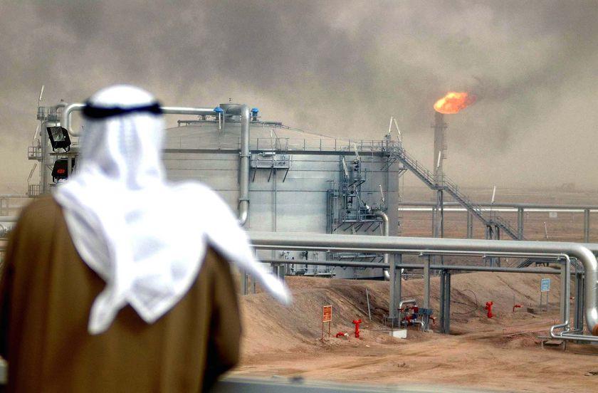 السعودية تحتل صدارة منتجي النفط لأول مرة منذ 2003