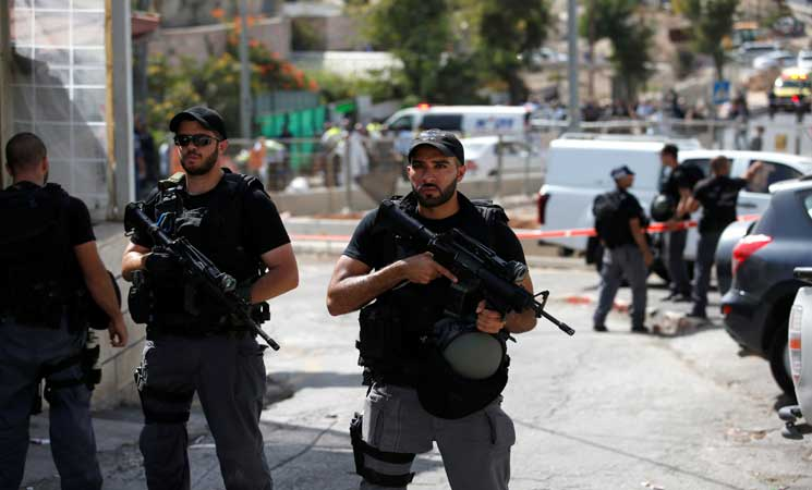 استشهاد فلسطيني ومقتل إسرائيلييْن في هجوم بالرصاص في القدس المحتلة