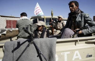 انقلابيو الحوثي يغلقون منافذ رئيسية بصنعاء لمنع تظاهرات رافضة لهم