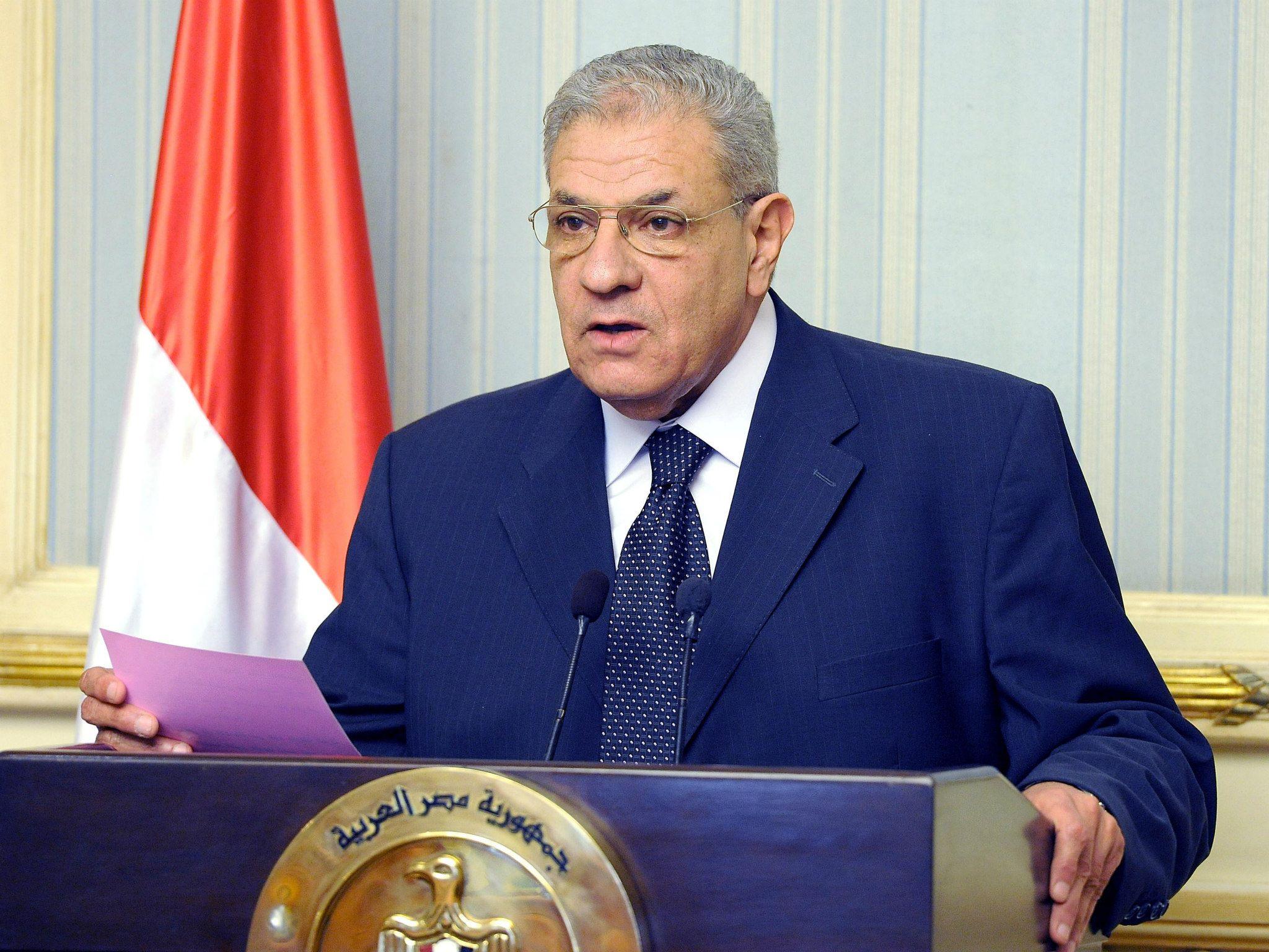 محلب يتوقع رتفاع معدل النمو المصري إلي ٤٪