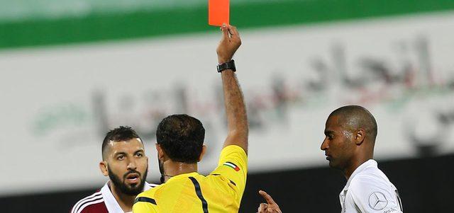 الجنيبي أكثر الحكام إشهاراً للبطاقات في المباريات بـ 106 مرات