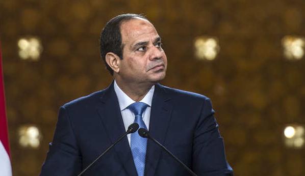 روبرت فيسك: السيسي يقود مصر نحو الانهيار بإعلانه حالة الطوارئ