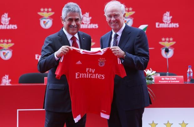 طيران الإمارات يوقع عقد رعاية قميص نادي  بنفيكا  البرتغالي