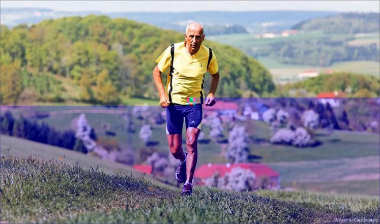أطباء ينصحون مرضى القلب بممارسة المشي في الجبال