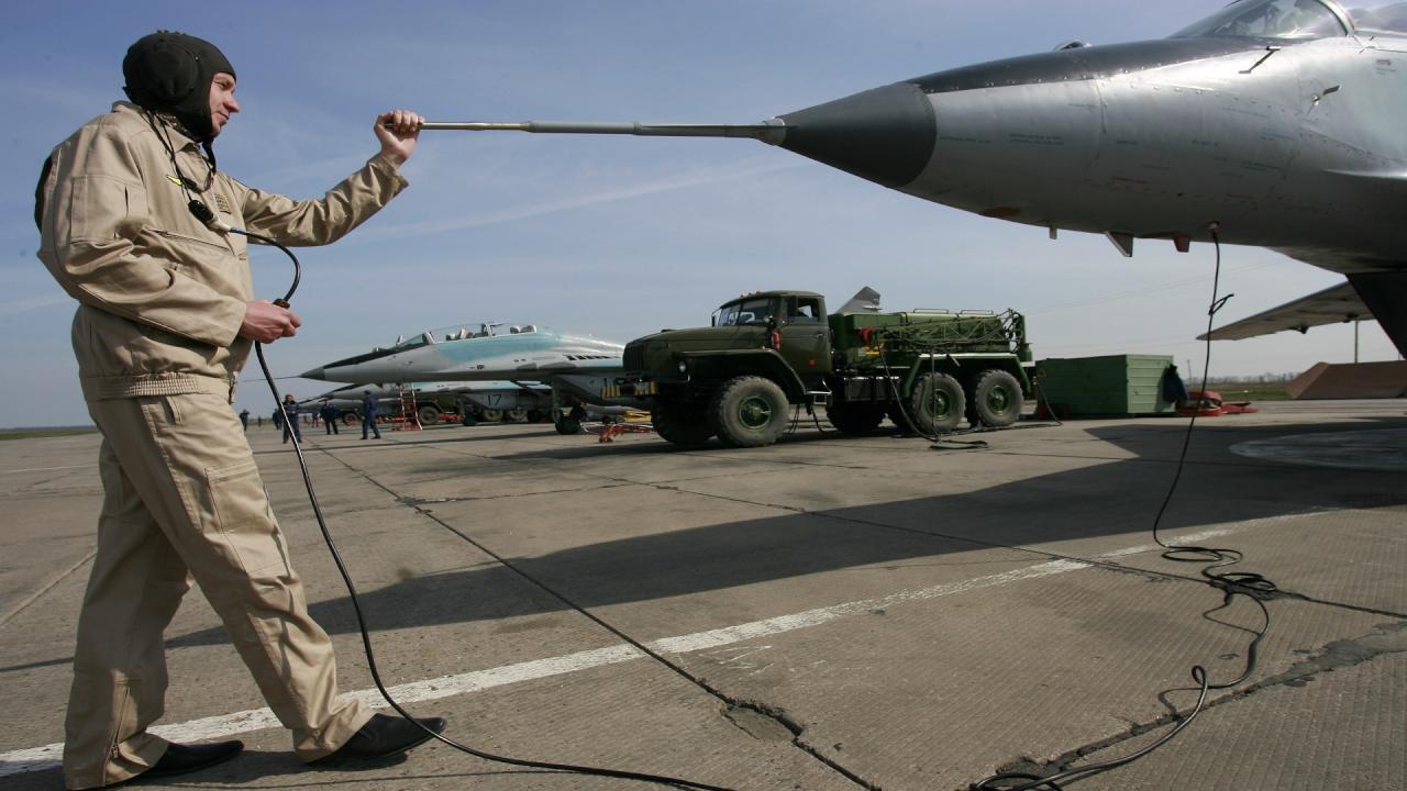 روسيا تفاوض مصر لاستئجار منشآت عسكرية بينها قاعدة جوية