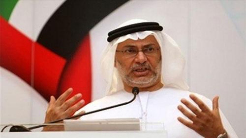 قرقاش يحاول تدارك تصريح خلفان حول قطر وكأس العالم