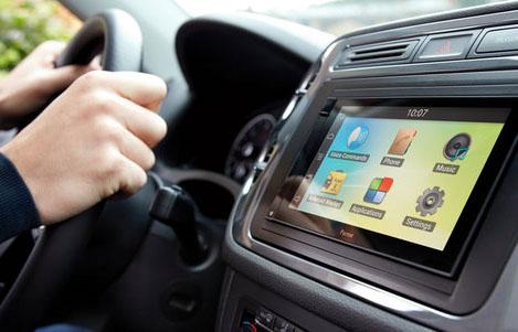 تزويد المركبات الجديدة بالاتصال الذكي حال وقوع الحوادث