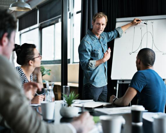 7 نصائح للتخلص من الخجل أثناء اجتماعات العمل
