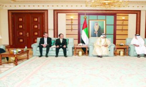 محمد بن راشد يتسلم أوراق اعتماد سفراء جدد لدى الإمارات