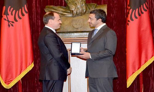 عبد الله بن زايد في جولة ناجحة لألبانيا وكوسوفو