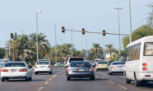 ثلاثة ملايين درهم مخالفات تجاوز الاشارة الحمراء في أبوظبي