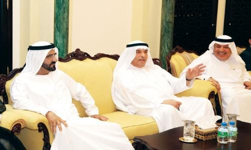 نائب رئيس الدولة يعزي في وفاة معتوقة بنت إسماعيل آل عباس