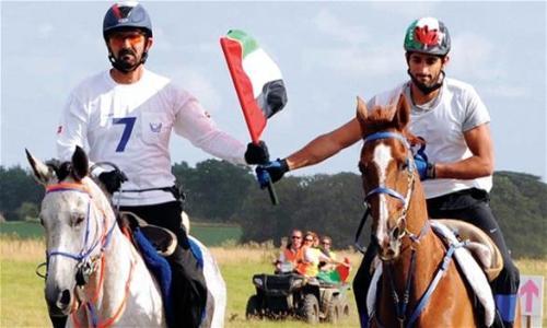 العويس يهنئ محمد بن راشد وأسرته بفوزهم بـجائزة الأسرة الرياضية
